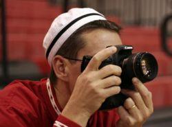 Японские производители отказываются от больших дисплеев для фотокамер