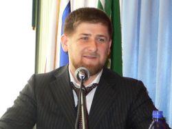 Кадыров, передвигающийся по Чечне со скоростью 170 км/ч с кортежем в полсотни авто, потребовал навести порядок на дорогах