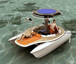 Прототип катамарана на солнечных батареях (видео)