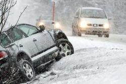 Европу завалило снегом (фото)