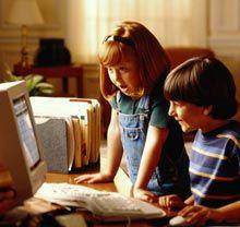 Вместо родителей детей воспитывает интернет