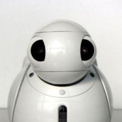 Умный робот-пульт с голосовым управлением ApriPoko от компании Toshiba