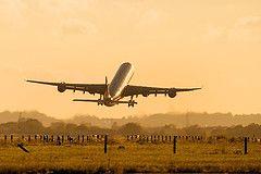 Пассажиры британских самолетов смогут говорить по мобильному телефону