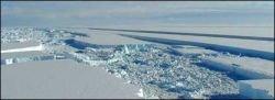 Шельфовый ледник в Антарктике на грани распада