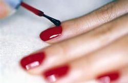 Исчезающий лак для ногтей - новинка для деловых женщин