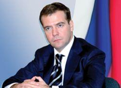 Дмитрий Медведев еще не вступил в должность президента, но книга о нем уже готовится