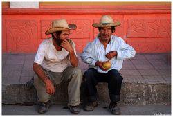 На Кубе разрешили пользоваться мобильниками