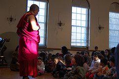 Китай открыл дипломатам столицу Тибета