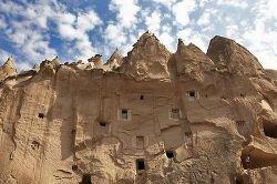 Yunak Evleri – пещерная гостиница в Каппадокии (фото)