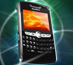 Портрет конкурента iPhone: первые фото BlackBerry 9000