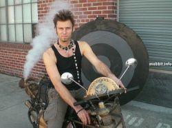 Электро-паровой мотоцикл-гибрид в стиле steampunk (фото)