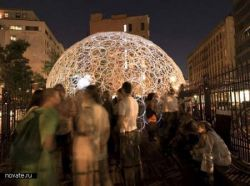 Скульптура в виде куполов из колец на улицах Нью-Йорка и Милана (фото)