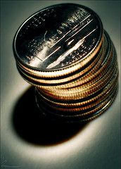 Высокая теория монетаризма в практике повседневного воровства