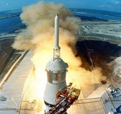 Камера засняла как взлетает ракета (видео)