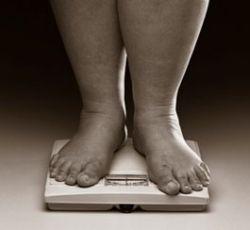 Лишний вес утраивает риск слабоумия в пожилом возрасте