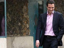 Потерявший пять миллиардов евро трейдер Societe Generale подал в суд на своего работодателя