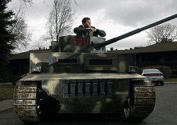 Студент построил настоящий танк (видео)