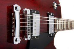 Компания Gibson создала самонастраивающаяся гитару (видео)