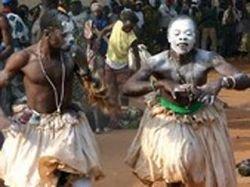 Президент Танзании распорядился защищать альбиносов от нападений колдунов