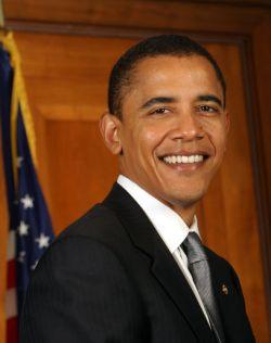 Барак Обама за месяц собрал пожертвований вдвое больше Хиллари Клинтон