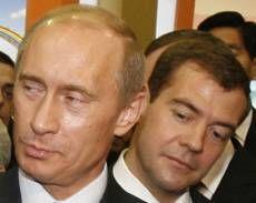 """Зачем \""""разводить\"""" Владимира Путина и Дмитрия Медведева?"""