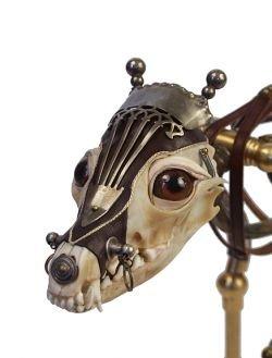 Необычные скульптуры из останков животных (фото)