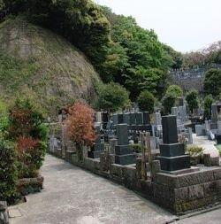 В Японии на надгробиях появятся штрих-коды для телефонов