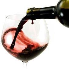В дорогих французских винах обнаружили пестициды