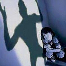 Психиатры советуют учить детей осторожности, чтобы защитить от маньяков