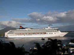 У берегов Сомали пираты захватили французский круизный лайнер