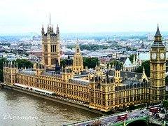 Кризис в Британии: дома переоценены на 30%