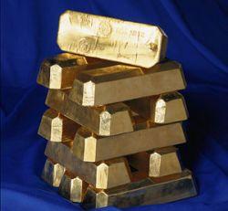 В надежность инвестиций в золото верит 48% россиян. В надежность доллара - 3%