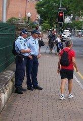 Австралийская полиция занимается пиратством