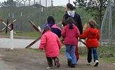 Более 400 детей освобождены из тайного убежища секты многоженцев в США