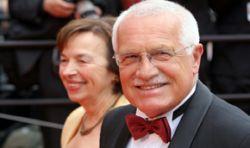 Президент Чехии Вацлав Клаус изменял жене со стюардессой