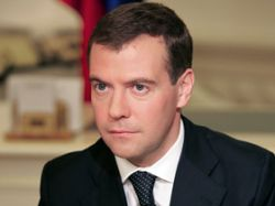 Политики и эксперты предрекают Дмитрию Медведеву досрочную отставку