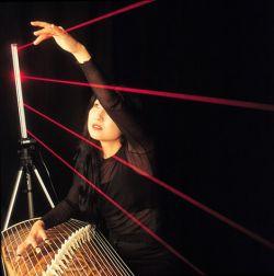 Лазерный музыкальный инструмент (видео)