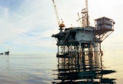 Нефть дорожает от перекупщика к перекупщику, а деньги от купли-продажи оседают на зарубежных счетах