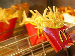 McDonald\'s заманит клиентов бесплатными сэндвичами
