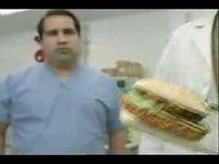 Во время тестирования нового соуса пострадал потребитель (видео)