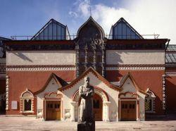Судьбу Третьяковской галереи кулуарно решают родственники мэра Юрия Лужкова
