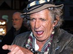 Врачи упрашивают гитариста Rolling Stones Кита Ричардса завещать тело науке