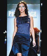 На прошедшей Russian Fashion Week дизайнеры предложили московским модникам зимние наряды без полутонов