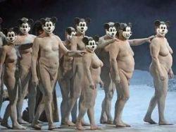 В Германии поставили оперу Верди с обнаженными актерами