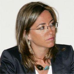 Впервые в истории Испании главой Минобороны стала женщина