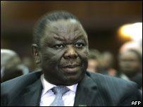 Избирком Зимбабве распорядился пересчитать голоса