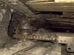 Нелегальные добытчики угля устроили перестрелку у павлоградской шахты