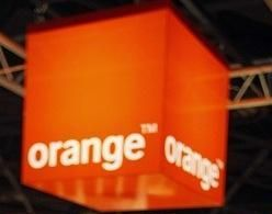 Warner Brothers будет продавать фильмы через оператора Orange