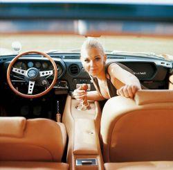 Старинная реклама автомобилей с девушками (фото)