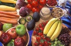 Просто мыть овощи и фрукты недостаточно - нужно облучать